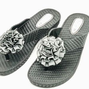 Beach Works New Zealand Sandal Flower sz USA 8 EUR 9 Black Floral Beach Thongs